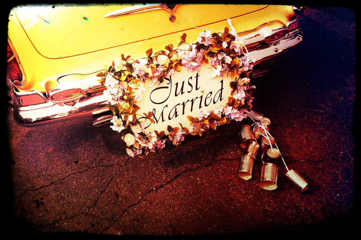 Scherzi matrimonio la sposa che scappa dalla chiesa for Sposa che corre